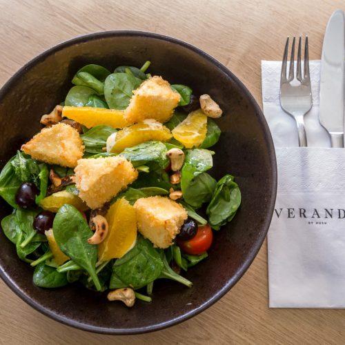 Salata cu branza brie crocanta (300g)